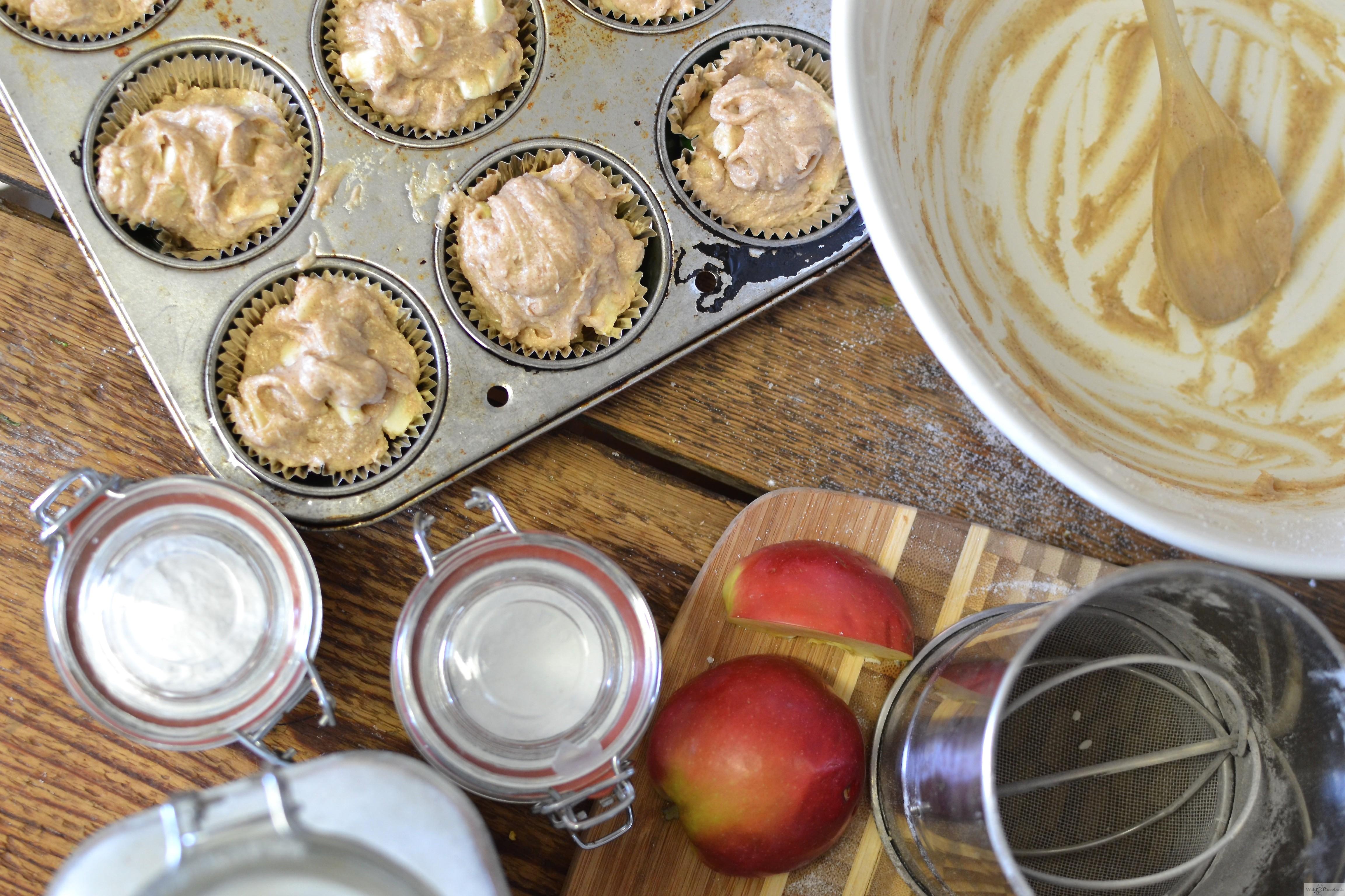 Tastings: Apple Cinnamon Muffins