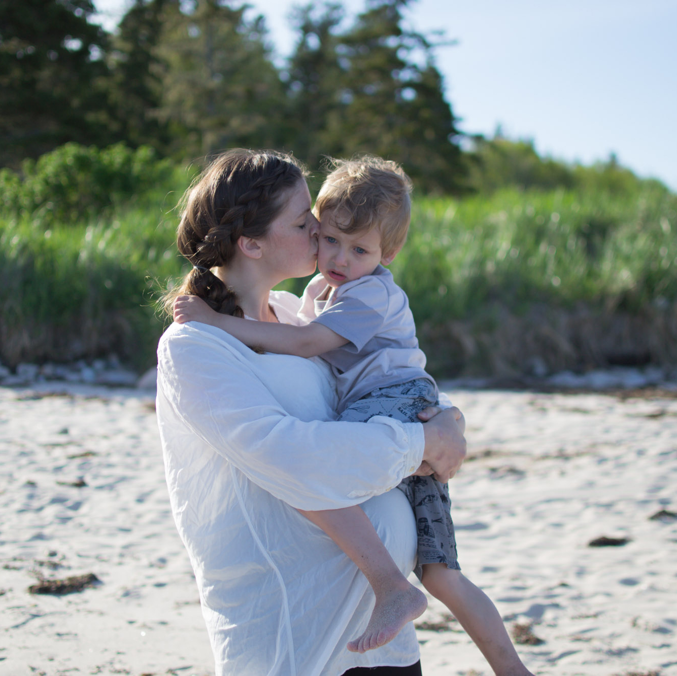 Wild Roesbuds: a 34 week bump date and Family photoshoot on the beach