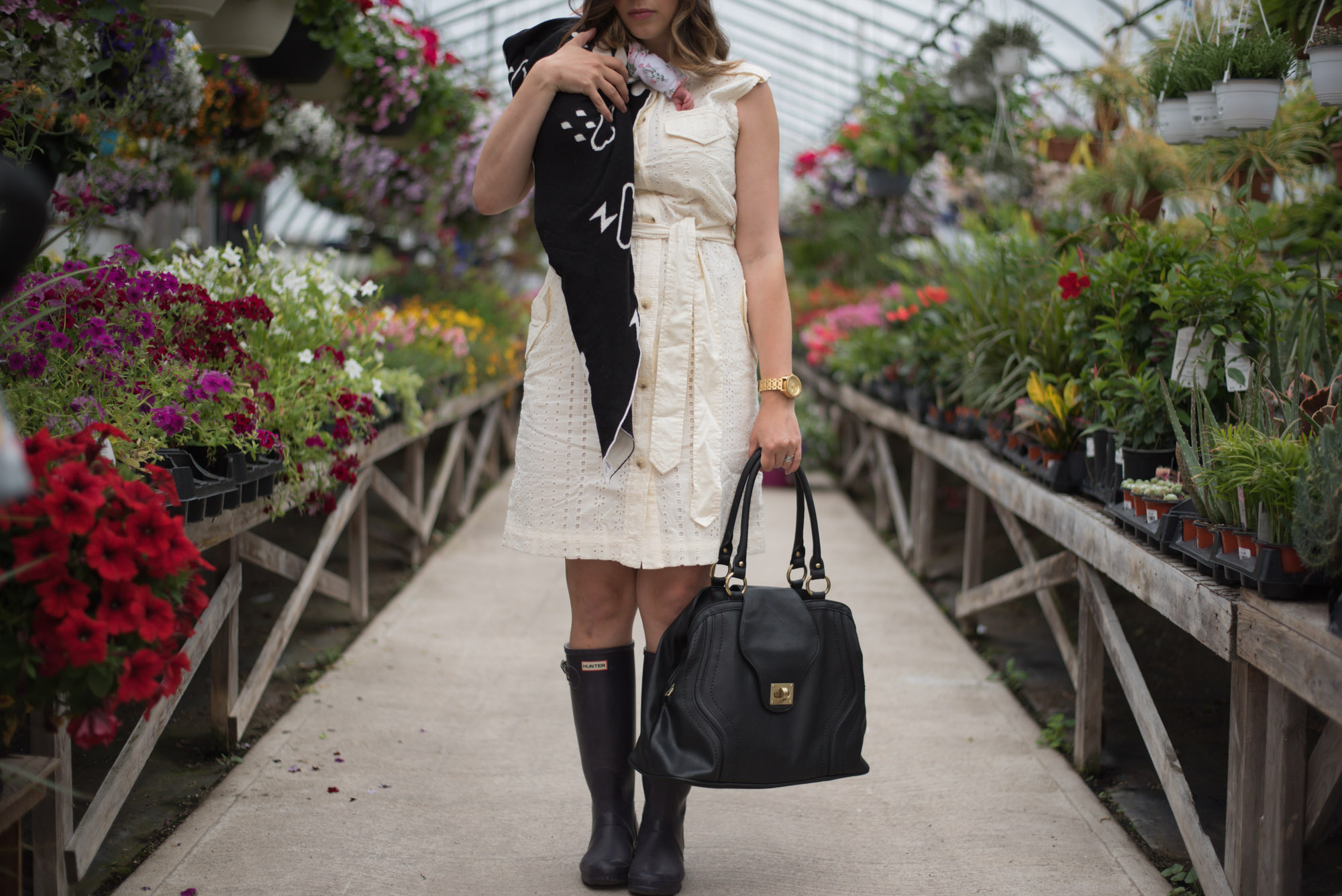 Wild Rosebuds: the perfect shirtdress and diaper bag for the new mom