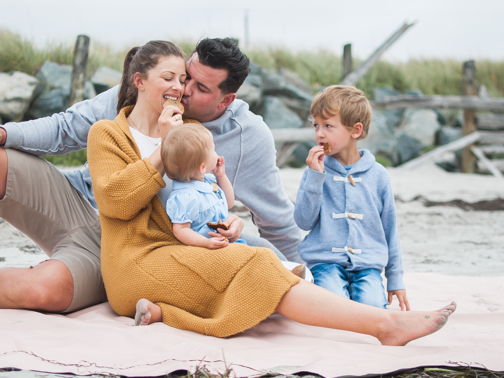 Wild Rosebuds: Family Photo Shoot on Crescent Beach