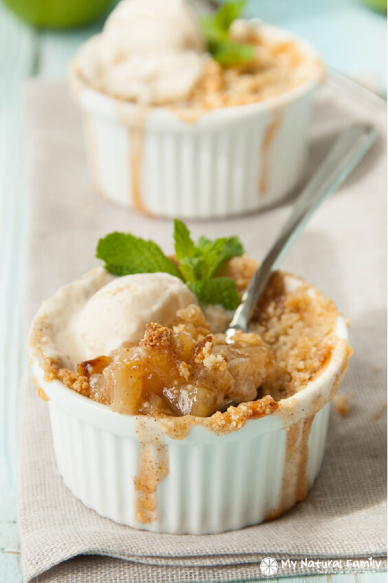 Wild Rosebuds | Paleo holiday recipes | Paleo apple crisp