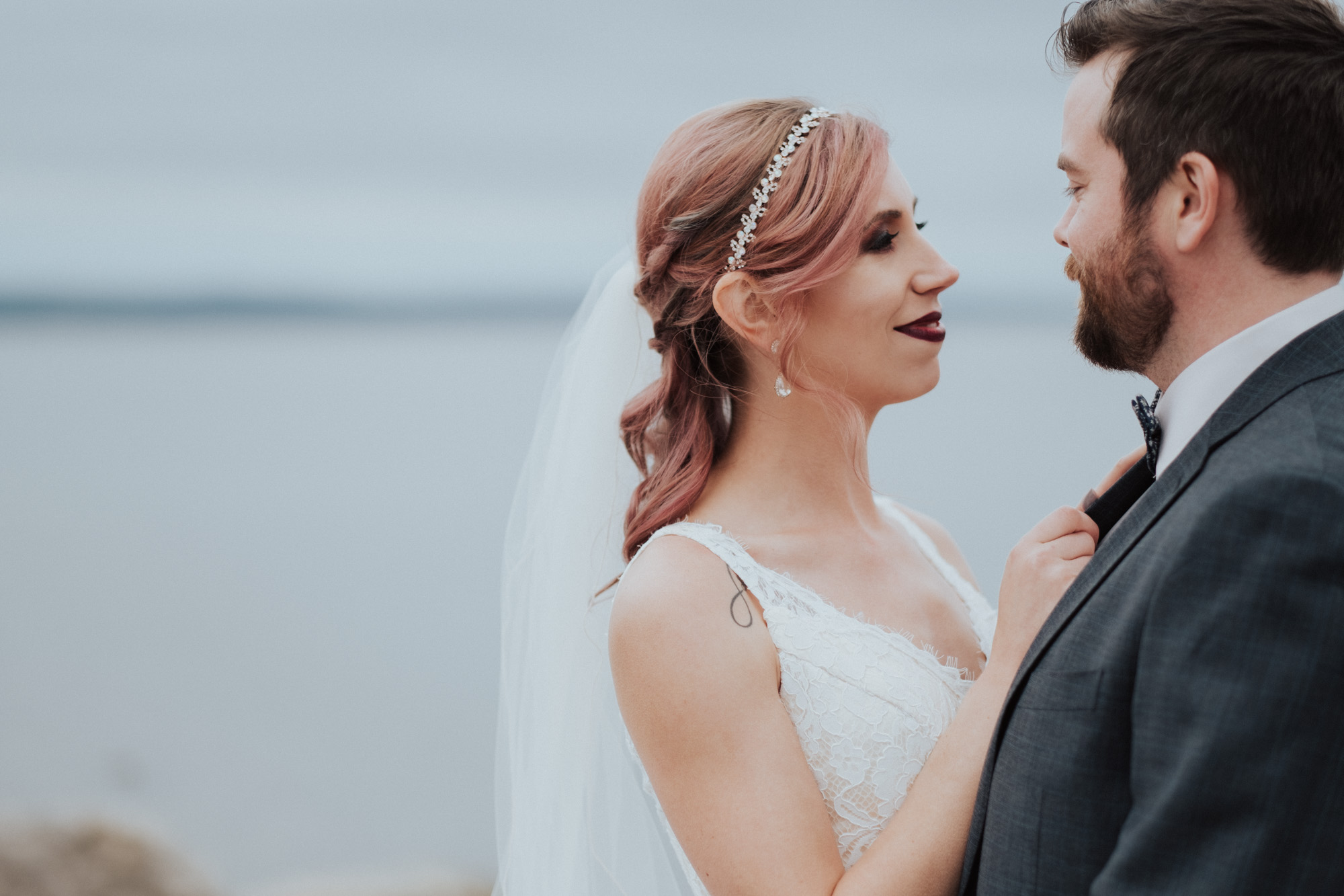 Wild Rosebuds | Shooting a wedding with the Fujifilm X-T20 with the 56mm F1.2 lens