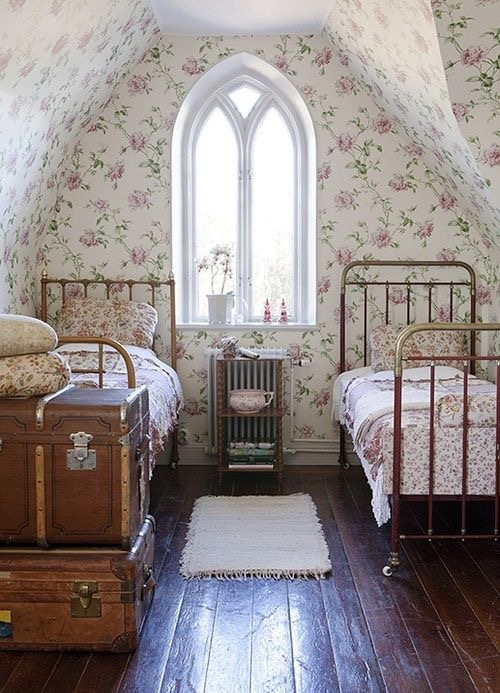 The Wild Decoelis | New House Inspo: Poppy's Room | french country decor