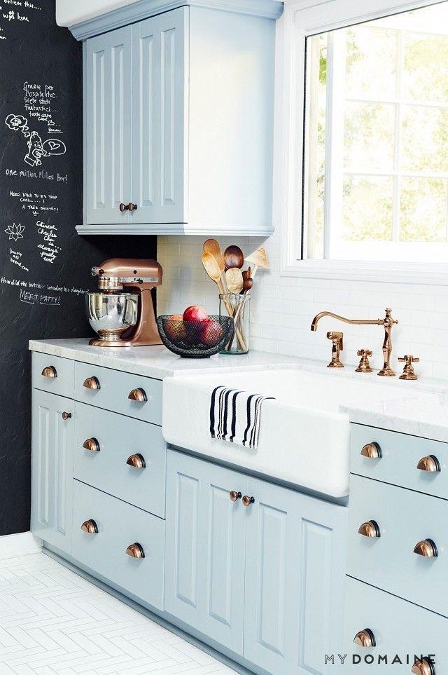 The Wild Decoelis | Kitchen Inspo | farmhouse sink in blue kitchen