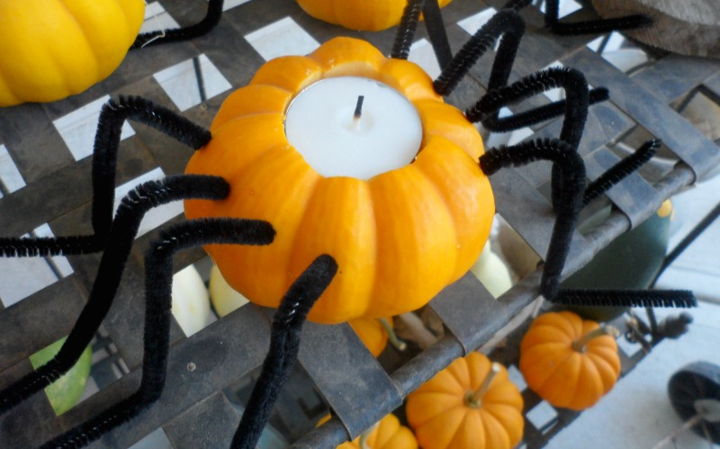 THe Wild Decoelis | 10 budget friendly halloween decorations | pumpkin candle holders