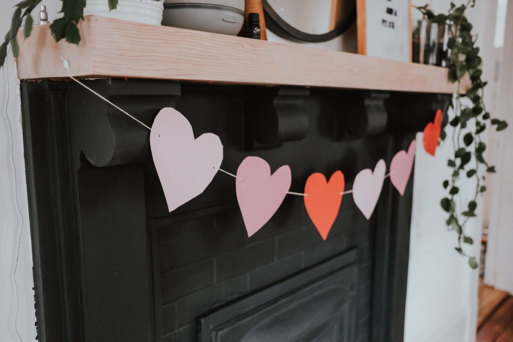 The Wild Decoelis | Round Up of Easy Paper Valentines Decor | Easy DIY Valentines Garland