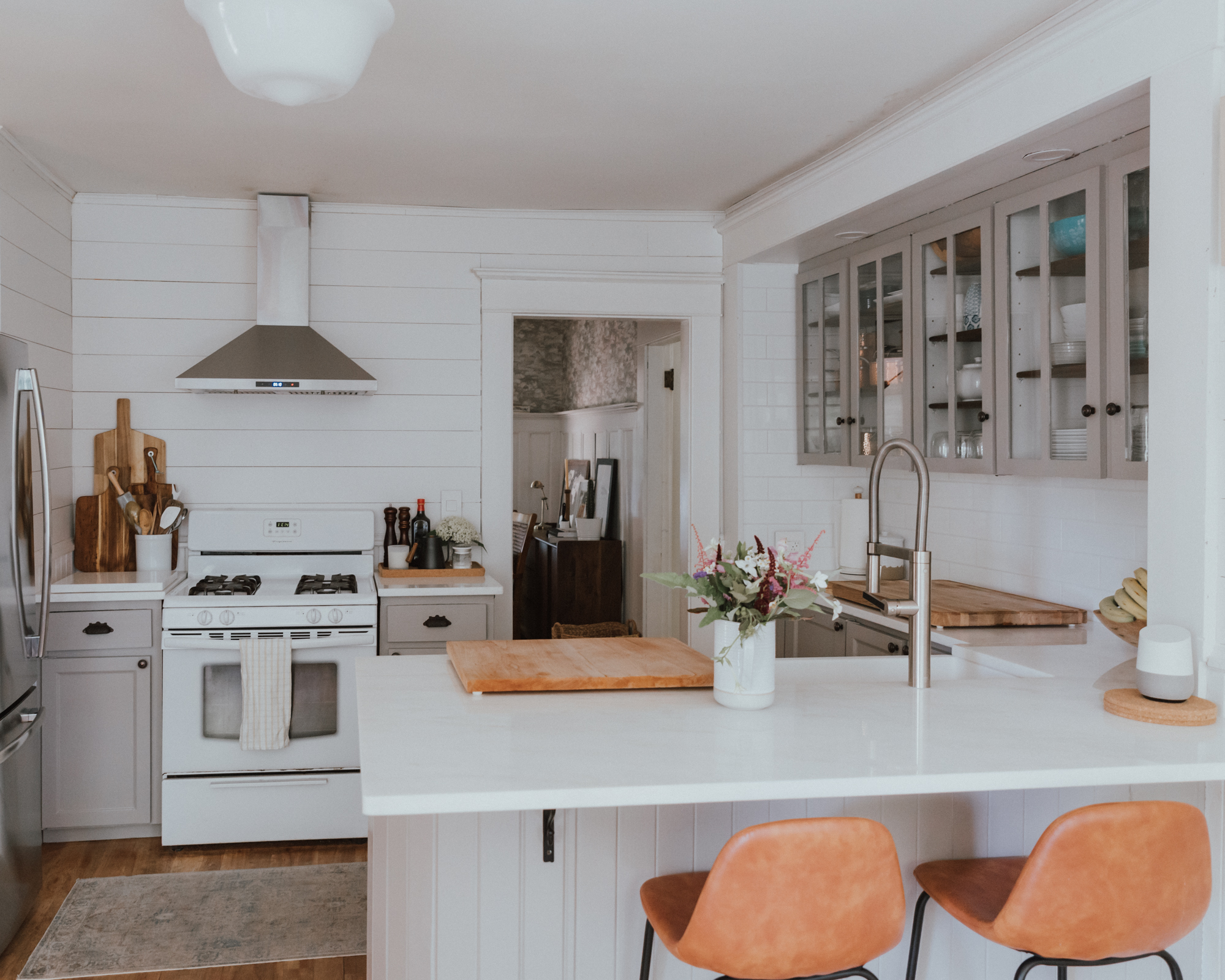 The Wild Decoelis| Our Kitchen Reno : Before and after | grey and marble