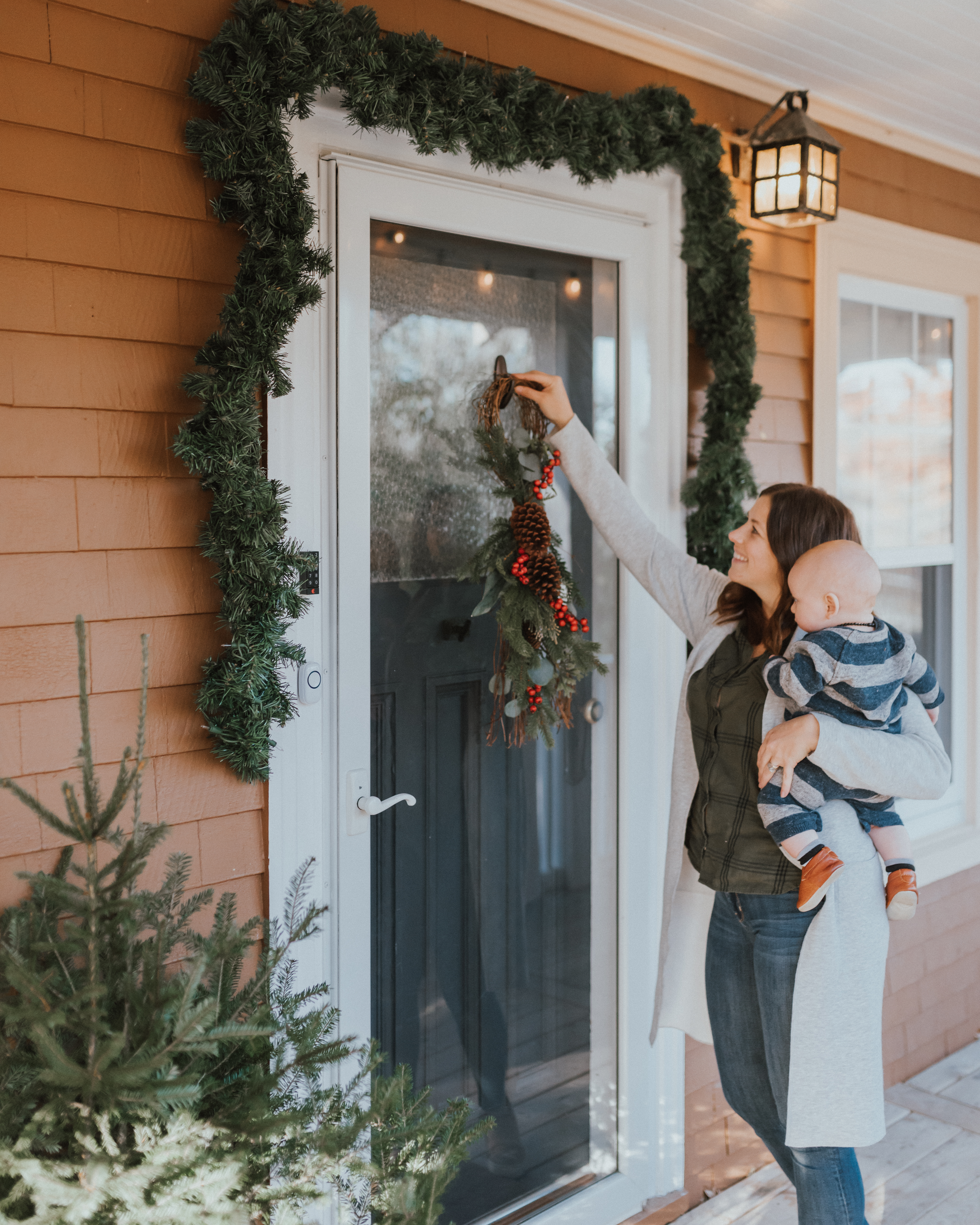 Command™ Helping You Decorate for The Holidays | The Wild Decoelis | how to hook a wreath to a storm door