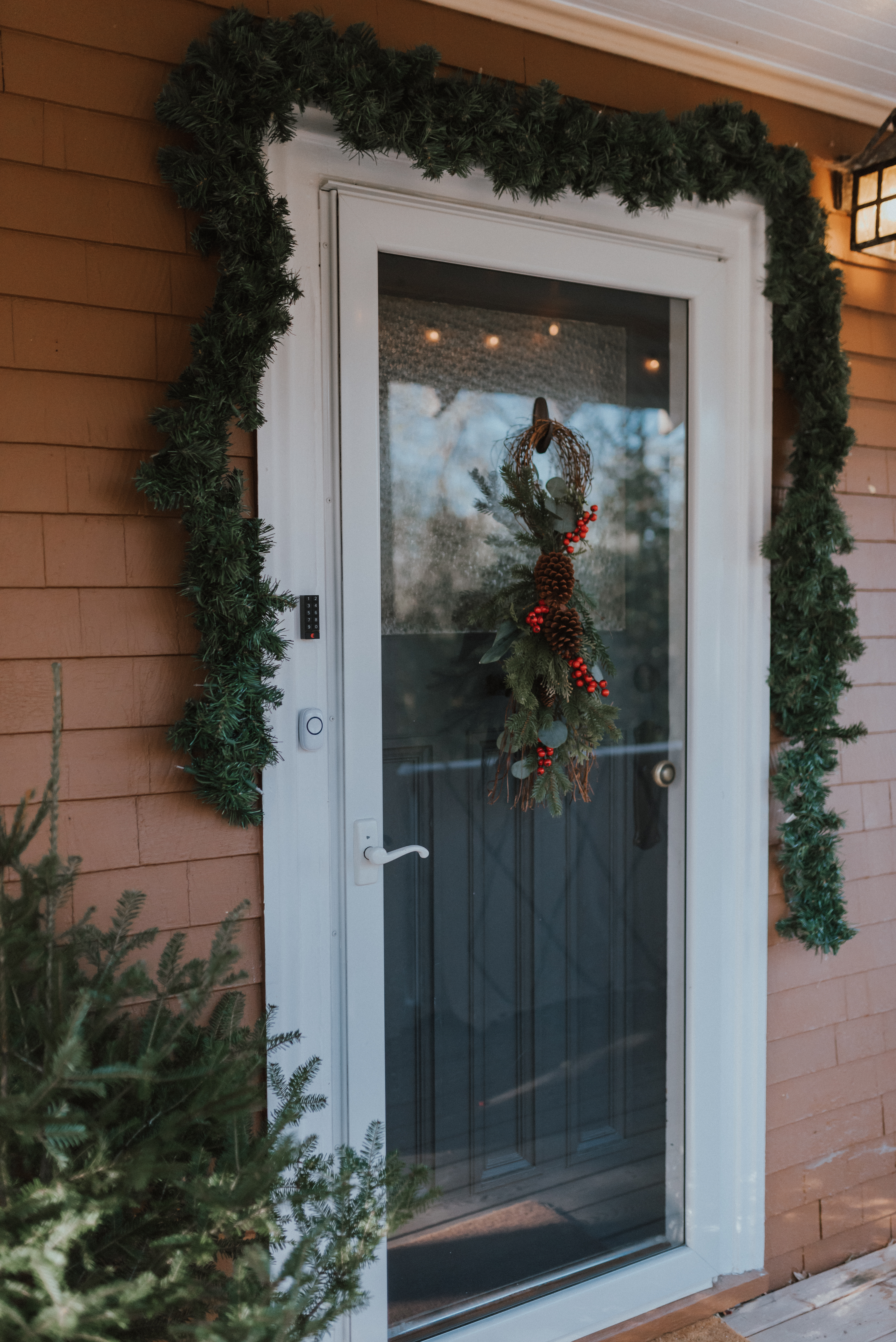 Command™ Helping You Decorate for The Holidays | The Wild Decoelis | holiday front door decorations
