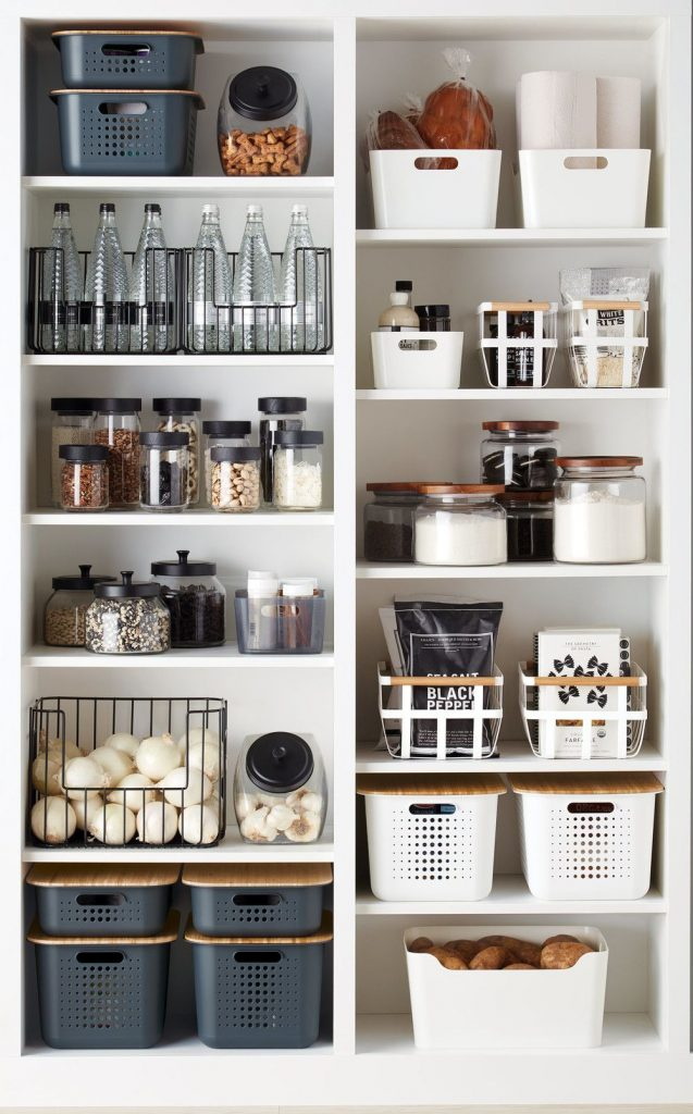 The Wild Decoelis | 7 Easy Tips for Organizing Your Pantry | pantry organizing with glass canisters