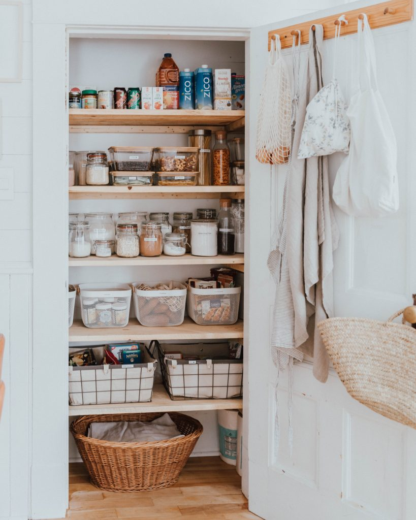 The Wild Decoelis | 7 Easy Tips for Organizing Your Pantry | pretty pantry goals