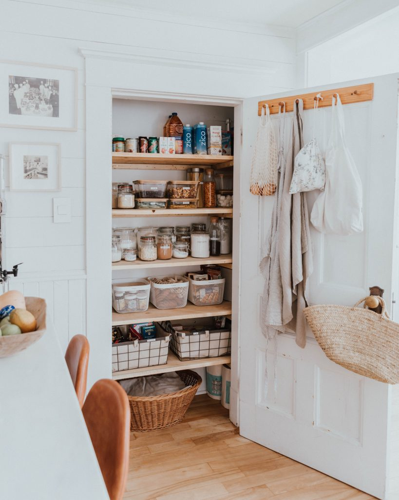 The Wild Decoelis | 7 Easy Tips for Organizing Your Pantry | mise en place