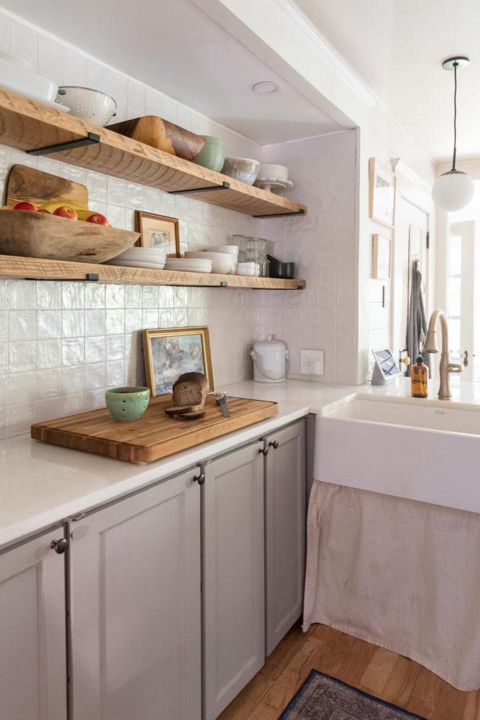 The Wild Decoelis   Tips on how to tile your backsplash  White square Zellige tile